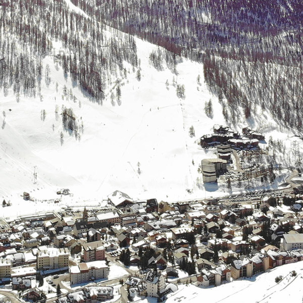 Heart of the village, 3 min from the slopes